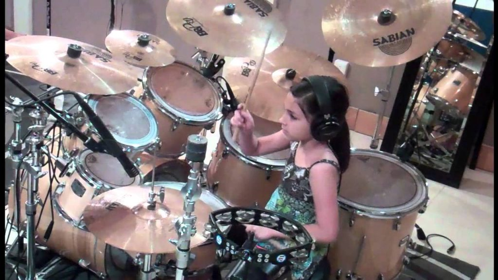 VIDEO: Mazā bundziniece. (Little Drummer)