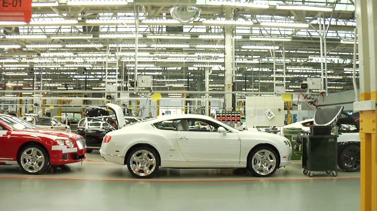 VIDEO – Bentley auto faniem/-ēm. (Bentley)