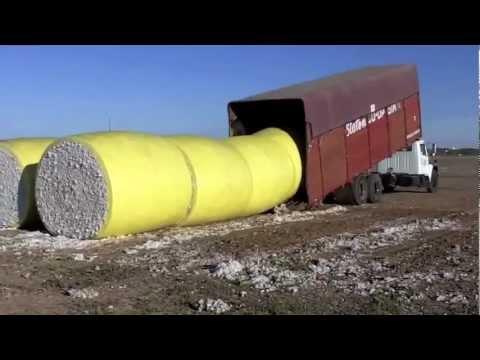 VIDEO – Inteleģentākais kravas mašīnas šoferis! (The Best intelligent truck driver Ever!!)