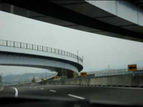 VIDEO – Pieklājīgie autovadītāji Japānā! (Polite Japanese Drivers)