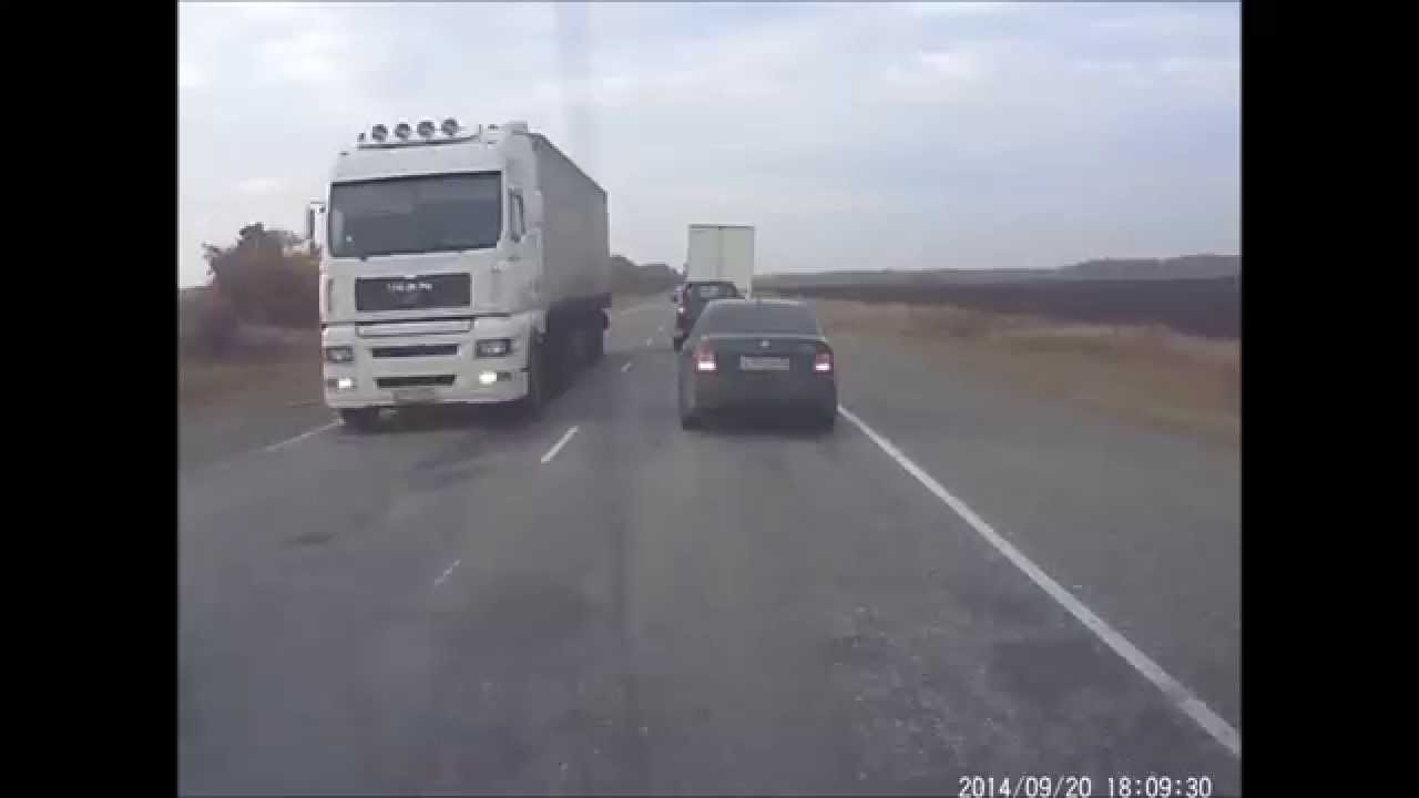 VIDEO –  Šokējoši kadri! Krievijā nepieredzējis šoferis traucas tieši pretī fūrei! (Meanwhile on Russia roads)