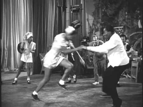 VIDEO – Kā dejoja 40-tajos? (Dancing In 40ies – Whiteys Lindy Hoppers Style)