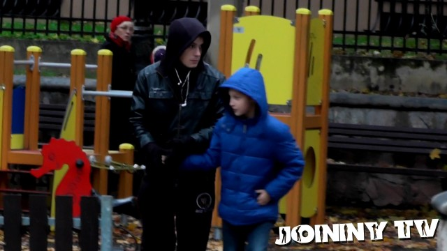 VIDEO – Sociālais eksperiments – vai iespējams Rīgas centrā nozagt bērnu?