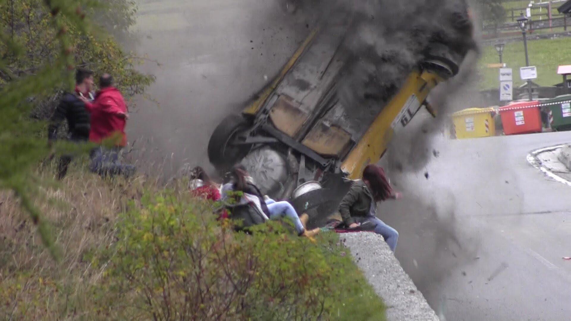 VIDEO – Šokējoša avārija rallijā – par laimi bez cietušajiem! (Jolly Rally Valle d'Aosta 2014 – Big crash)