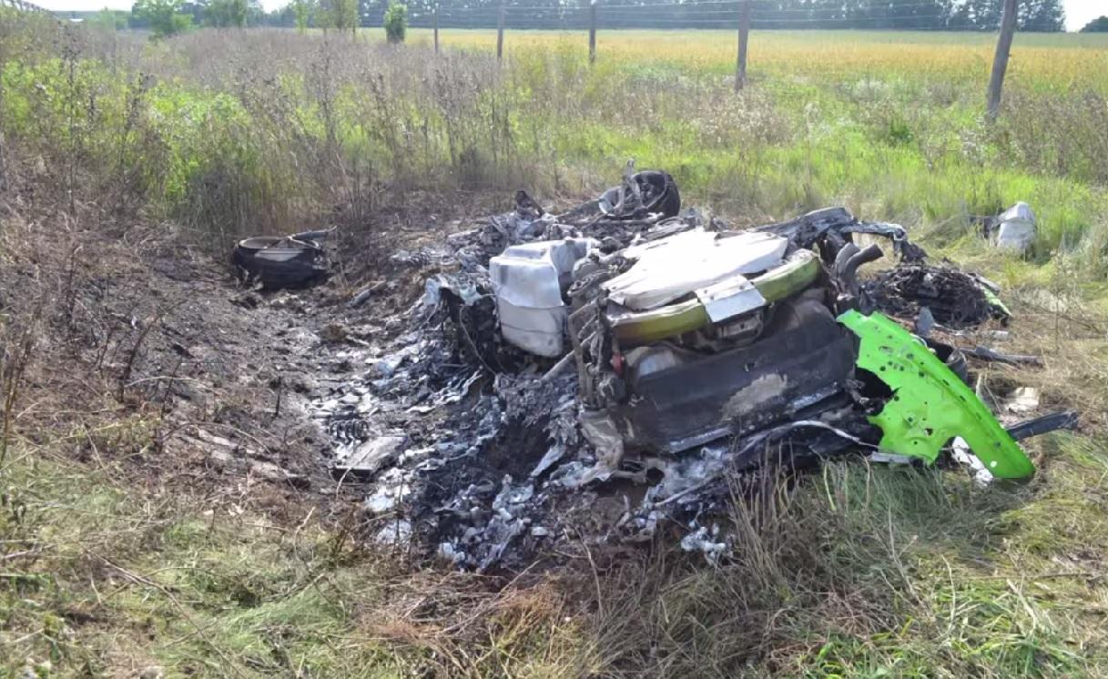 VIDEO: Šokējoša Lamborghini avārija pie 310km/h! Vadītājs izdzīvo! (Lamborghini Huracan crash M7 motorway.)