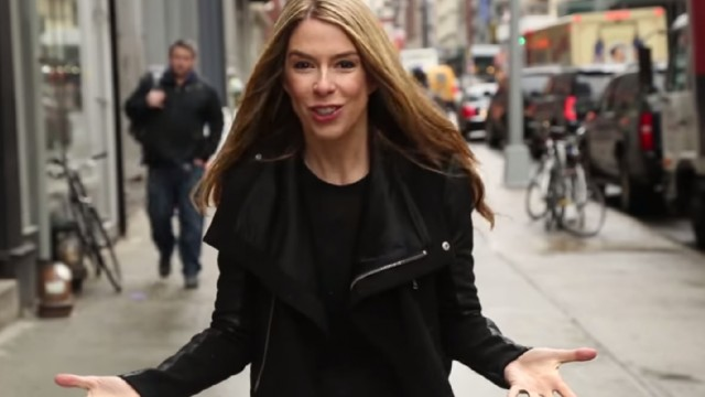 VIDEO: Kā būtu, ja mēs uz ielas uzvestos tieši tāpat kā sociālajos tīklos!? (Social Networking in Real Life)