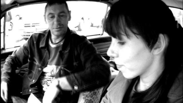 VIDEO: Slēptā kamera…Meitene…Taksometrs…2003.gads…Rīga… (Traffic)