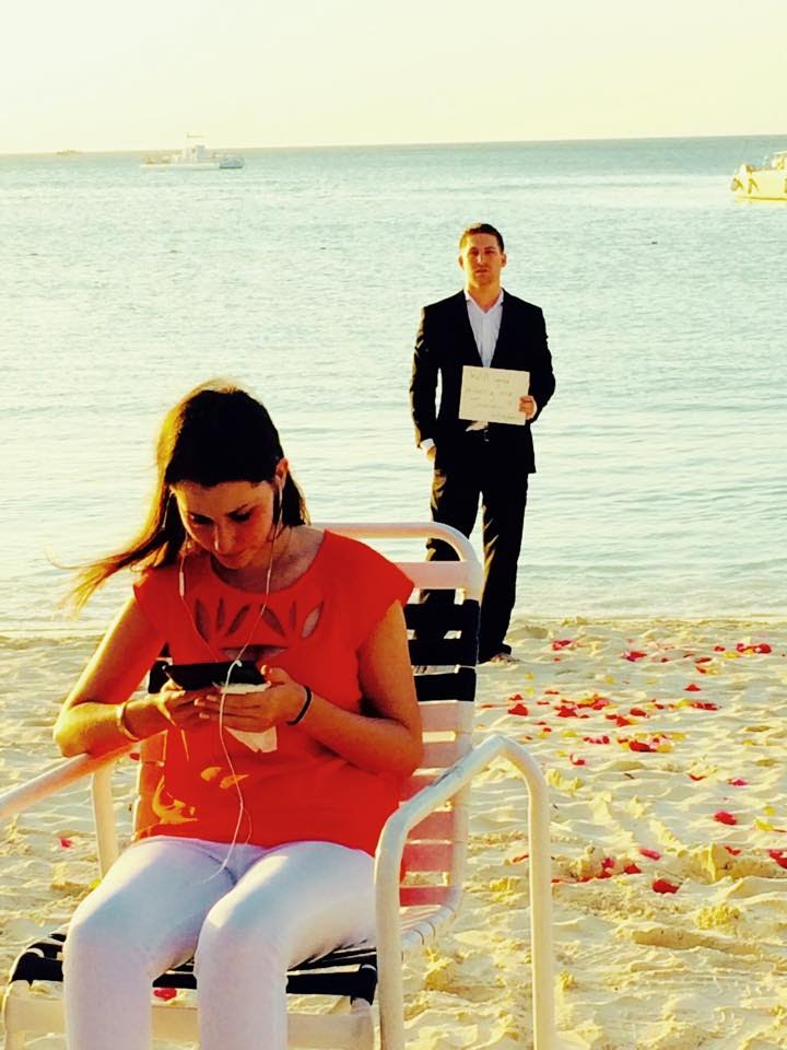 VIDEO: 365 dienas… iespējams ilgākais bildinājums pasaulē! (365 Day Engagement!)