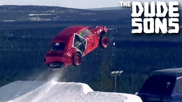 VIDEO: Ar auto pa snovborda rampu! (Car Launch From A Snowboard Ramp)