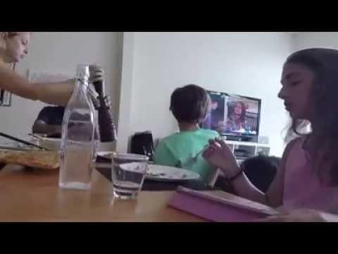 VIDEO: Viedā piparnīca! Tai būtu jābūt katrā ģimenē! (Is this a problem in your household…?)