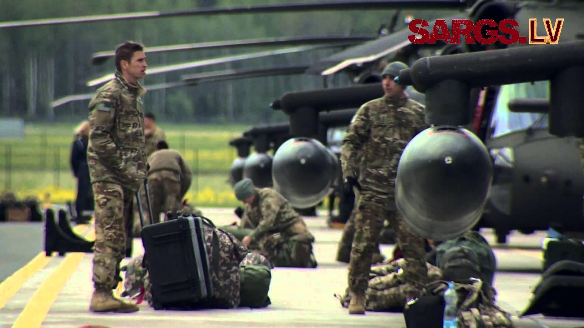 """VIDEO: Iespaidīgi! Lielvārdē ierodas ASV karavīri ar """"Black Hawk"""" helikopteriem!"""