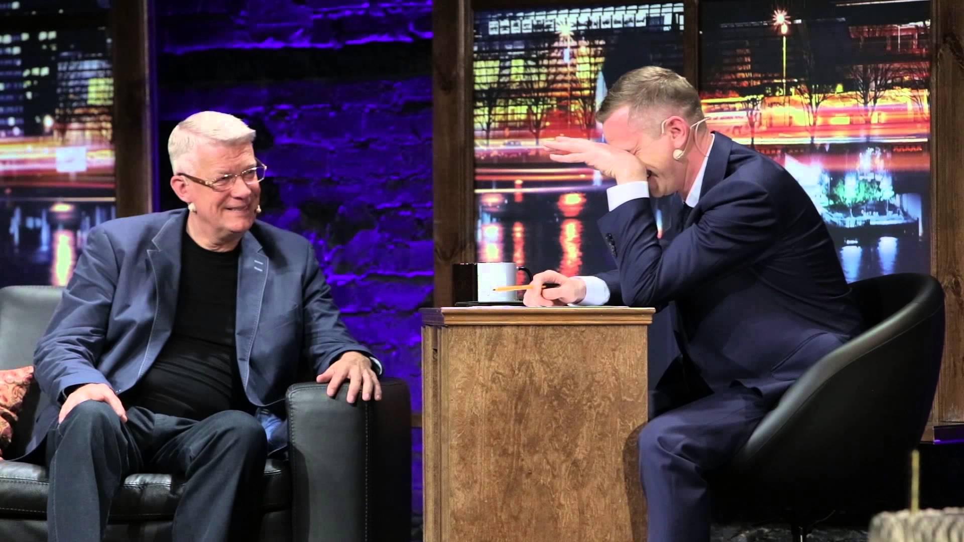 VIDEO: Zatlers joko par Saeimas atlaišanu un iedzeršanu!