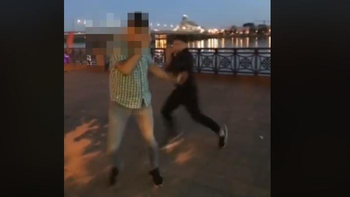 Rīgas pašvaldības policija lūdz palīdzību atpazīt huligānu (+VIDEO)
