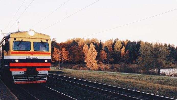 Prasa apturēt dzelzceļa elektrifikācijas projekta iepirkumu saistībā ar bažām par tā lietderīgumu un tiesiskumu