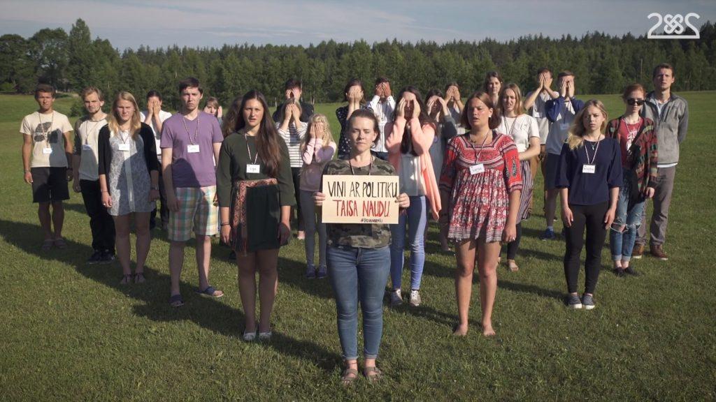 Latvijā un ārzemēs dzīvojošie latviešu jaunieši aicina Latvijas simtgadē uzdāvināt valstij normālu Saeimu