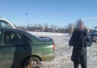 Policija aptur 14 gadīga jelgavnieka ziemas prieku baudīšanu stāvlaukumā; jaunietis bez tēva atļaujas paņēmis viņa mašīnu