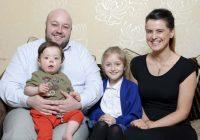 Brīnumbērns zēns izdzīvojis 25 sirdslēkmes vienā dienā
