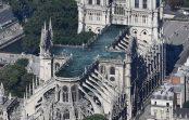 Arhitekti plāno ugunsgrēkā iznīcināto Parīzes Dievmātes katedrāles jumtu aizvietot ar peldbaseinu