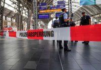 Atklājušās jaunas un šaušalīgas detaļas par imigrantu, kurš Vācijā zem vilciena pagrūda zēnu un viņa māti