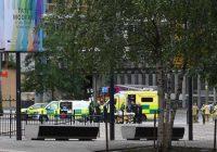 17 gadus vecs jaunietis no skatu platformas 10. stāva Londonā nogrūž sešgadīgu puisēnu